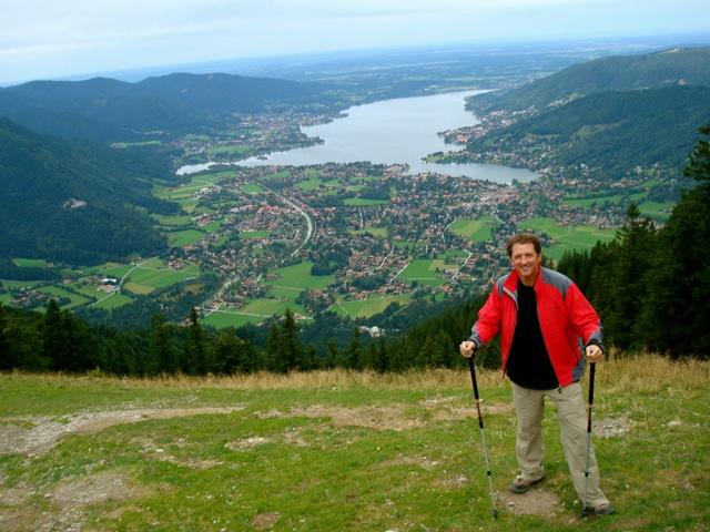 کوین ترودو در مونیخ آلمان و کنار دریاچه تیگنزی هنگام ارائه سمینار سطح 1